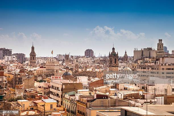 valencia cityscape in a beautiful day - valencia spanje stockfoto's en -beelden