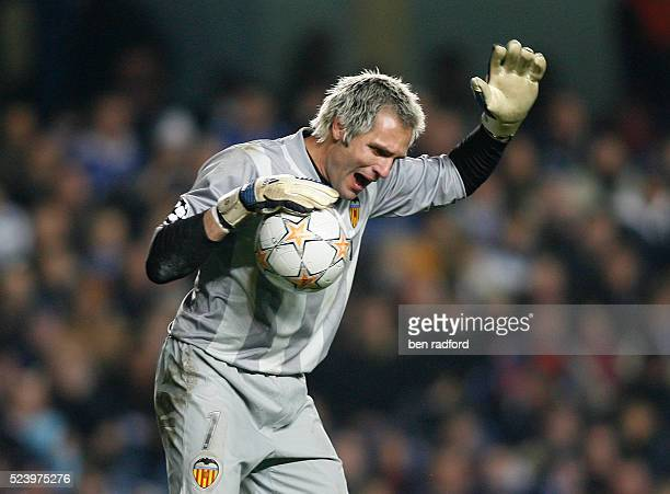 Valencia goalkeeper Santiago Canizares during the UEFA Champions League Group B match between Chelsea and Valencia at Stamford Bridge London UK