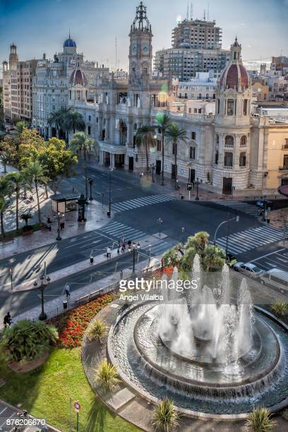 valencia. town hall square - valencia spagna foto e immagini stock