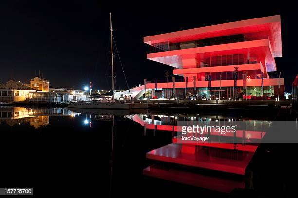 Valencia Veles e Schlitzen America's Cup Pavilion beleuchtet Spanien