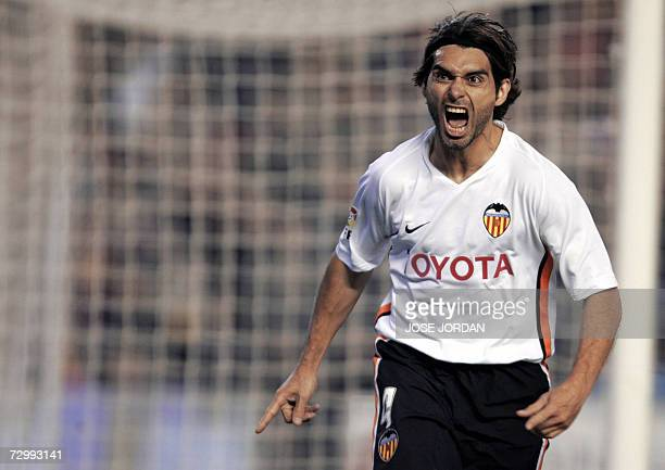 Valencia's Argentinian Fabian Ayala celebrates after scoring against Levante during a Spanish league football match at the Mestalla Satdium in...