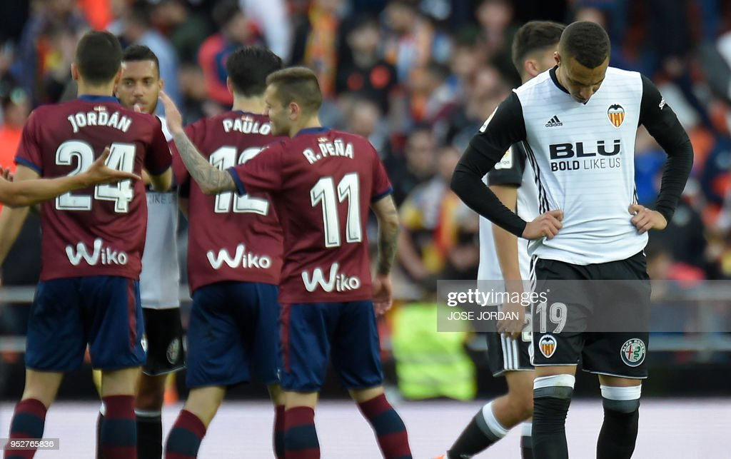FBL-ESP-LIGA-VALENCIA-EIBAR : News Photo