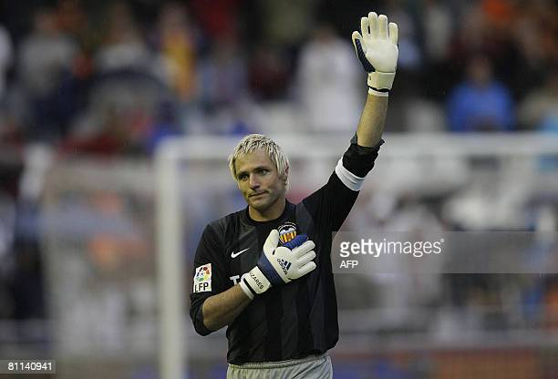 Valencia's goalkeeper Santiago Canizares waves to the fans during their Spanish league football match against Atletico Madrid at Mestalla Stadium in...