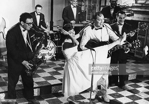 Valente Caterina Singer actress Italy / Germany * Scene from the movie 'Hier bin ich hier bleib' ich' with Bill Haley and his 'Comets' Directed by...