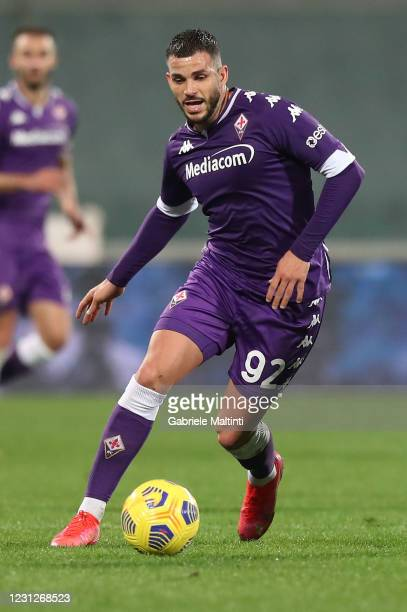 Valentin Eysseric of ACF Fiorentina in action during the Serie A match between ACF Fiorentina and Spezia Calcio at Stadio Artemio Franchi on February...