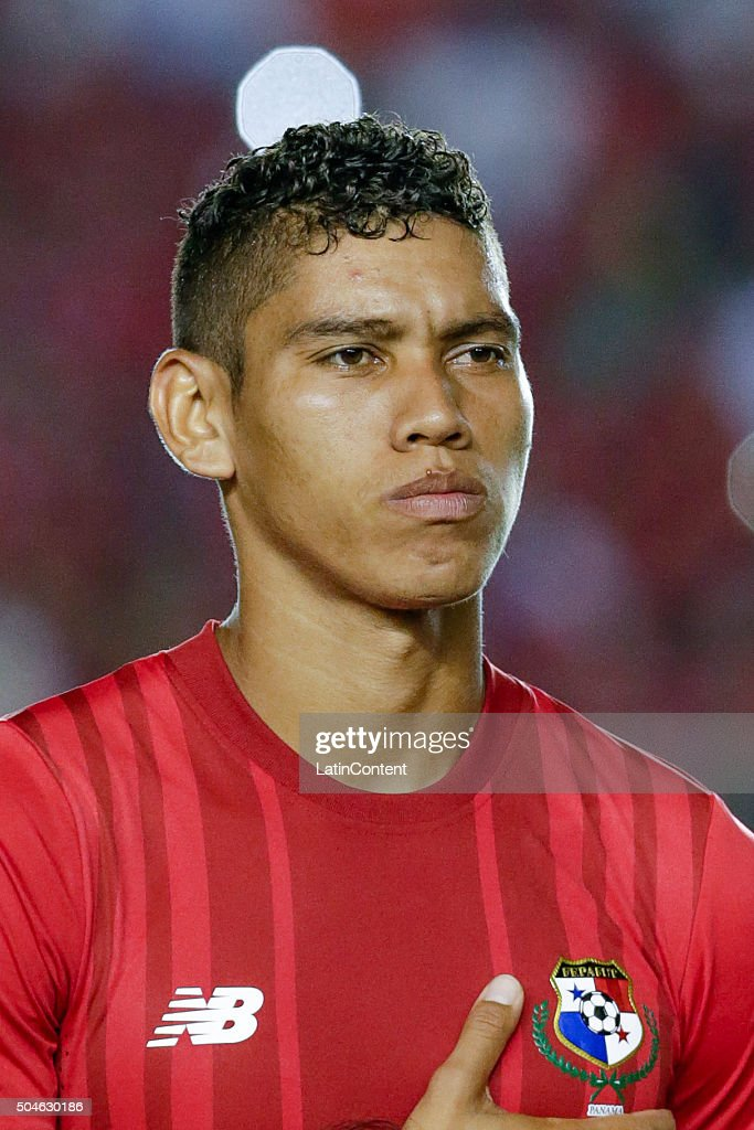 Valentin Pimentel of Panama looks on prior the match between Cuba and Panama as part of the Copa America Centenario Qualifiers at Rommel Fernandez Stadium on January 08, 2016 in Panama City, Panama.
