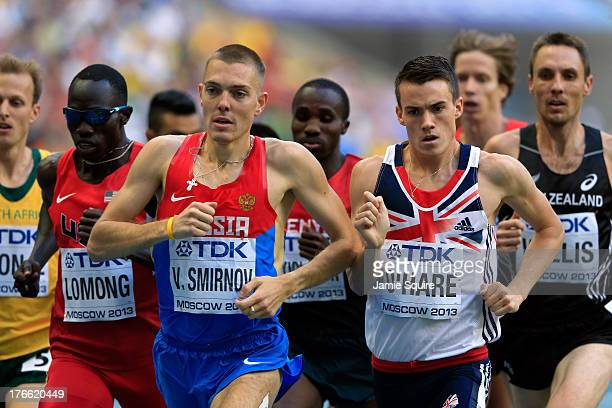 Valentin Smirnov of Russia and Chris O'Hare of Great Britain compete in the Men's 1500 metres semi finals during Day Seven of the 14th IAAF World...
