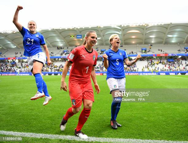 Valentina Cernoia Laura Giuliani and Elena Linari of Italy celebrate following their sides victory in the 2019 FIFA Women's World Cup France group C...