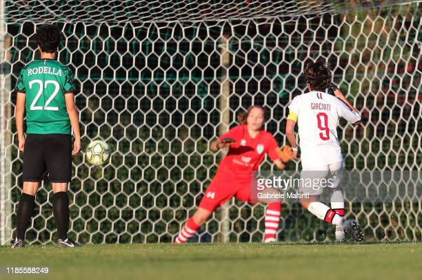 Valentina Giacinti of AC Milan Women scores the opening goal during the Women Serie A match between Florentia and AC Milan on November 30 2019 in...