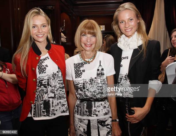 Valentina Zelyaeva Anna Wintour and Charlotte DiCalypso attend the Ralph Lauren celebration of Fashion's Night Out with The NY Academy of Art at The...