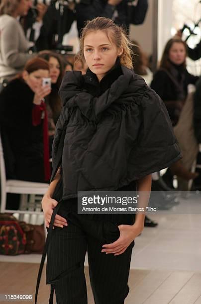 Valentina Zelyaeva wearing Atsuro Tayama Autumn/Winter 2006