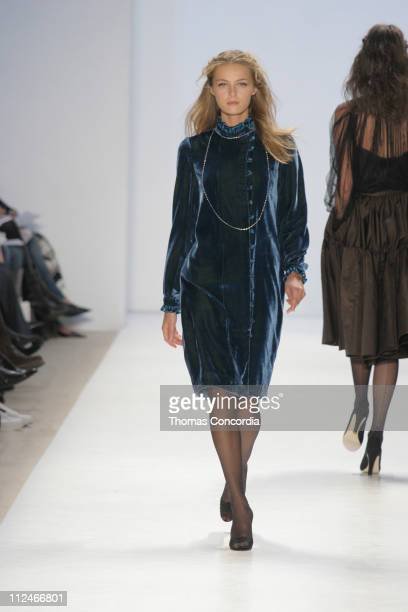 Valentina Zelyaeva wearing Peter Som Fall 2005 during Olympus Fashion Week Fall 2005 Peter Som Runway at The Plaza Bryant Park in New York City New...