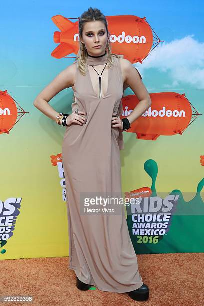 Valentina Zenere poses during the Orange Carpet of the Kids Choice Awards 2016 at Auditorio Nacional on August 20 2016 in Mexico City Mexico