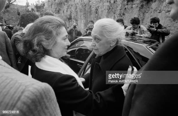 Valentine Chagall, veuve du peintre, lors des obsèques de Marc Chagall à Saint-Paul-de-Vence le 1er avril 1985, France.