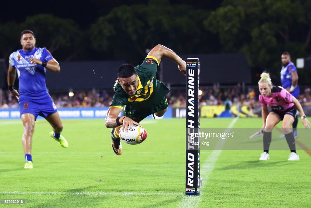 Valentine Holmes of Australia scores a try in the corner during the 2017 Rugby League World Cup Quarter Final match between Australia and Samoa at Darwin Stadium on November 17, 2017 in Darwin, Australia.
