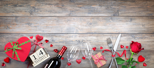 Valentines Day Banner - Glasses Bottle And Gift On Wooden Plank 1095097774
