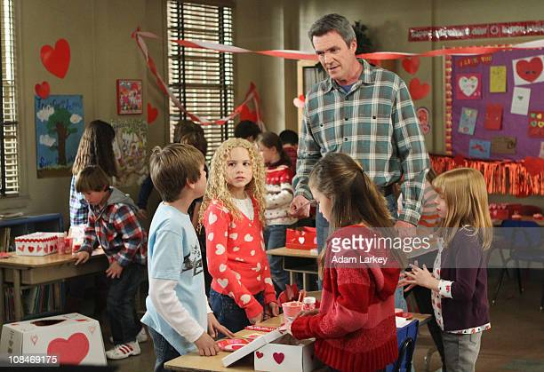 THE MIDDLE Valentine's Day II As Valentine's Day approaches Frankie becomes elated when elusive son Axl asks her to accompany him to help pick out a...