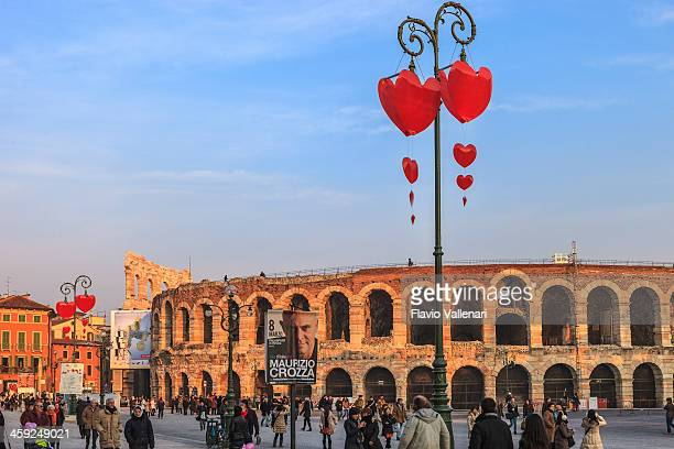 バレンタインデーのベローナ、イタリア - イタリア ヴェローナ ストックフォトと画像