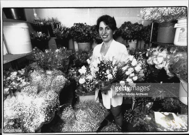 Valentines Day Preview Barbara Pollak of Pearsons florist in Darlinghurst prepares flowers for valentines day February 11 1994