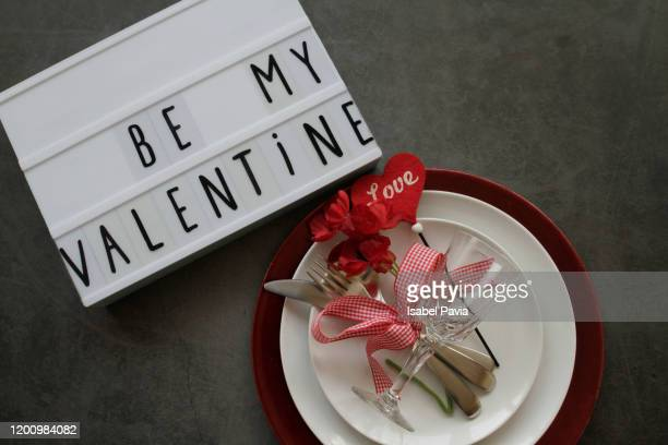valentine's day table setting - valentines day dinner stock pictures, royalty-free photos & images