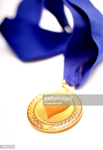 valentines love medal - beating heart stock pictures, royalty-free photos & images