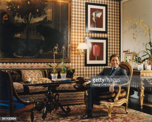 Valentino in his New York estate The wallcovering cloth was designed by George Le Manach in