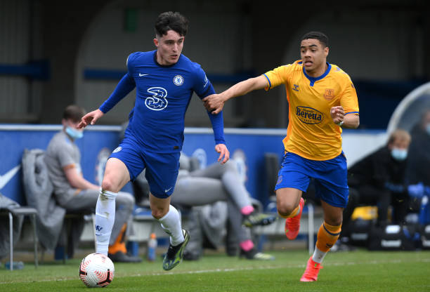 Valentino Livramento of Chelsea battles for possession with Lewis Dobbin of Everton during the FA Youth Cup Fourth round match between Chelsea and...