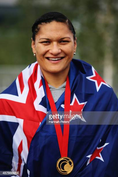 Valerie Adams of New Zealand poses with her gold medal during day eight of the Glasgow 2014 Commonwealth Games on July 31, 2014 in Glasgow, United...