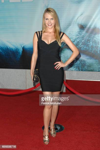 Valerie Azlynn Attends Surrogates World Premiere At El Capitan Theatre On September   In Hollywood