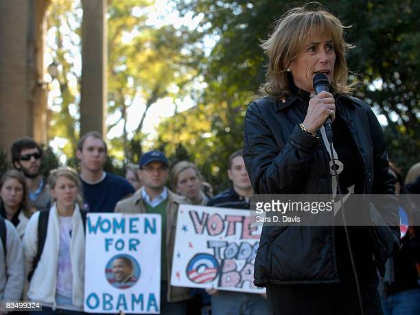 Valerie Biden Owens sister of Democratic vice presidential candidate Joe Biden campaigns for Democratic presidential candidate Barack Obama at the...