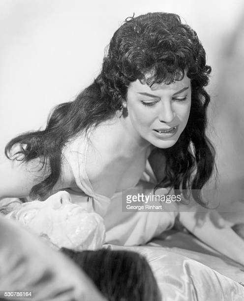 1958 Valerie Gaunt who portrays the Vampire Woman in Horror of Dracula a new horrorsuspense film stars Peter Cushing Michael Gough and Melissa...