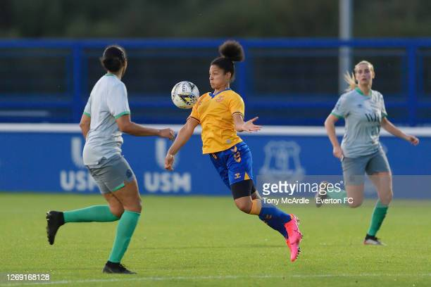 7 357 Everton Women Photos And Premium High Res Pictures Getty Images