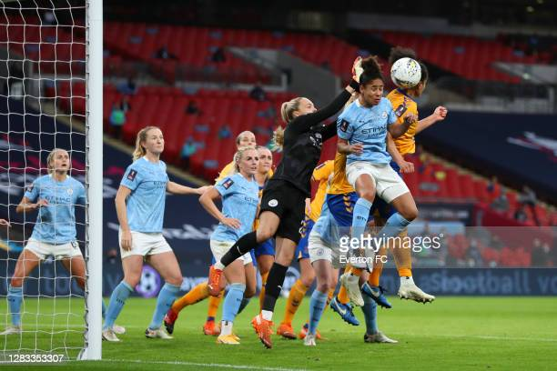 Valerie Gauvin of Everton scores her team's first goal during the Vitality Women's FA Cup Final match between Everton Women and Manchester City Women...