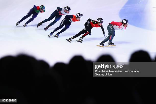 Valerie Maltais of Canada Fan Kexin of China Lara van Ruijven of the Netherlands Charlotte Gilmartin of Great Britain and Arianna Fontana of Italy...