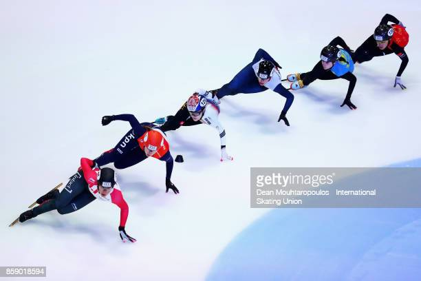 Valerie Maltais of Canada Suzanne Schulting of the Netherlands Charlotte Gilmartin of Great Britain and Yu Bin Lee of Korea competes in the 1000m...
