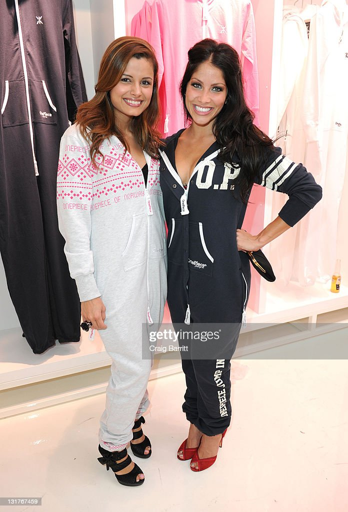 ¿Cuánto mide Valery Ortiz? - Altura - Real height Valerie-ortiz-and-catalina-rodriguez-attend-the-grand-opening-of-the-picture-id131767459