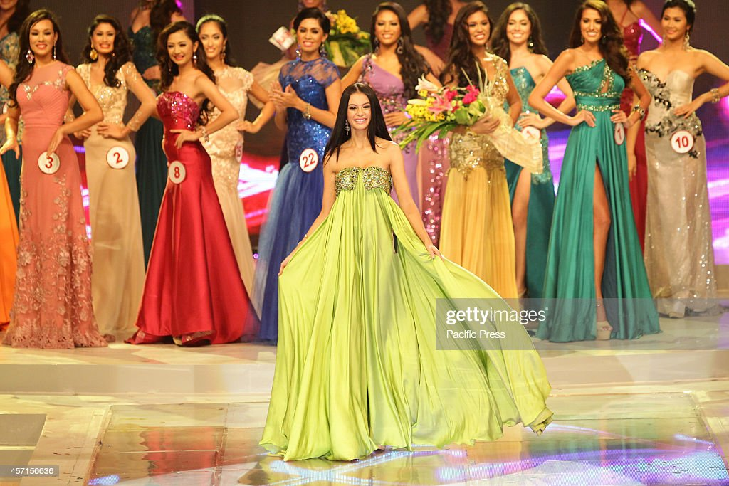 Valerie Weigmann presents her evening gown at the Miss World ...