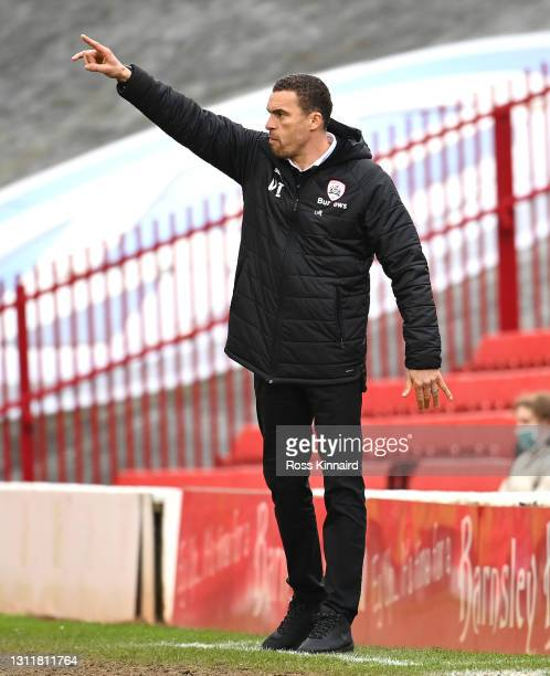Valerien Ismael, Manager of Barnsley FC gives their team instructions during the Sky Bet Championship match between Barnsley and Middlesbrough at...