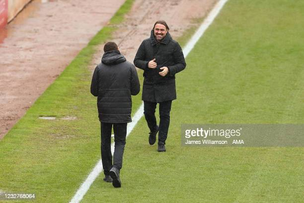 Valerien Ismael the manager / head coach of Barnsley walking towards Daniel Farke the manager \ head coach of Norwich City during the Sky Bet...