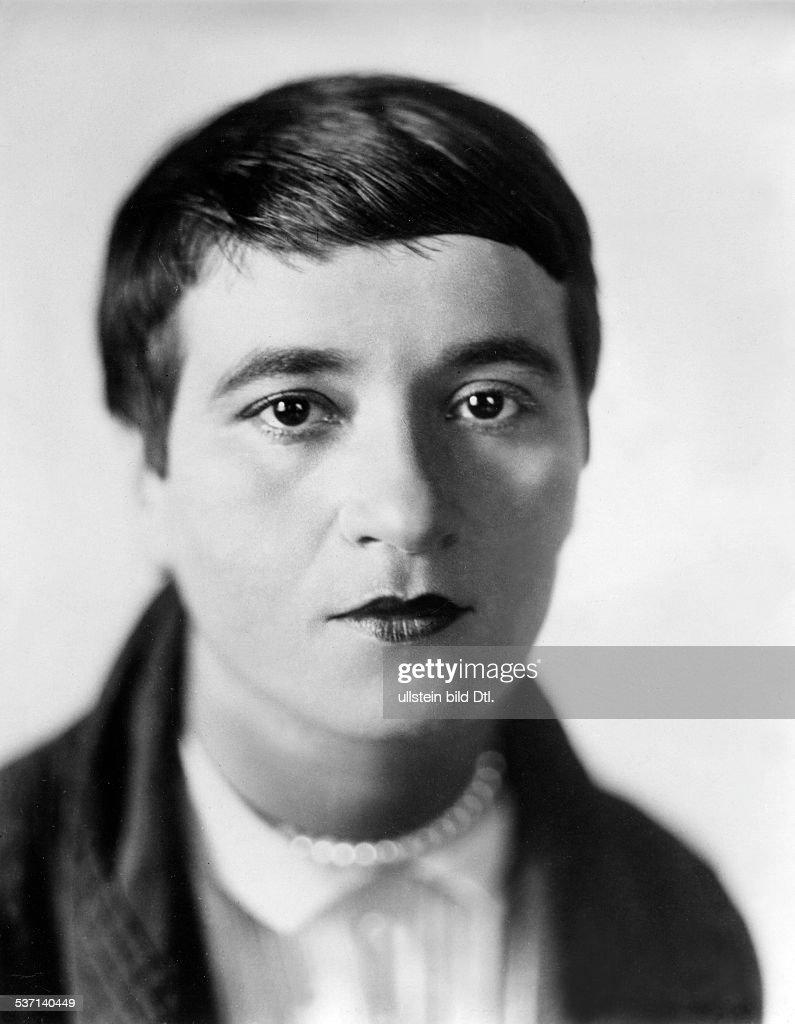 Valeska Gert, Schauspielerin, Tänzerin, D - um 1931 : News Photo