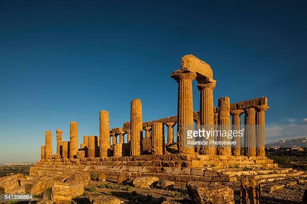 valle dei templi (valley of the temples), tempio di hera lacinia (giunone), temple of hera lacinia (juno) - agrigento stock pictures, royalty-free photos & images