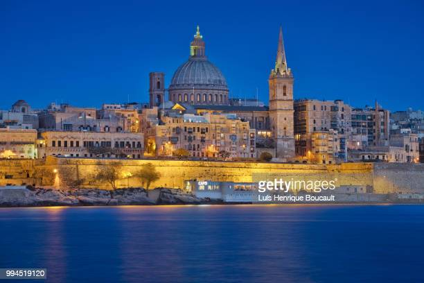 valletta & blue hour - valletta stock pictures, royalty-free photos & images
