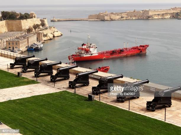 valletta, capital of malta - schiff stock photos and pictures
