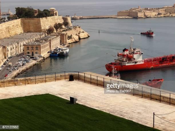 valletta, capital of malta - wasser imagens e fotografias de stock