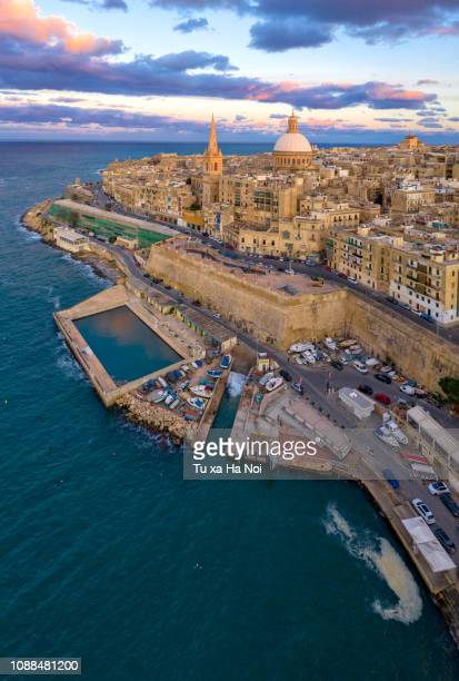 valletta, malta capital, view from above at sunset - valletta stock pictures, royalty-free photos & images