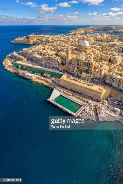 valletta, malta capital, view from above - バレッタ ストックフォトと画像