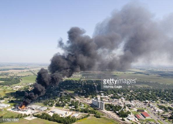 Valley Center Is Covered In A Plume Of Smoke As Storage Tank Pictures Getty Images