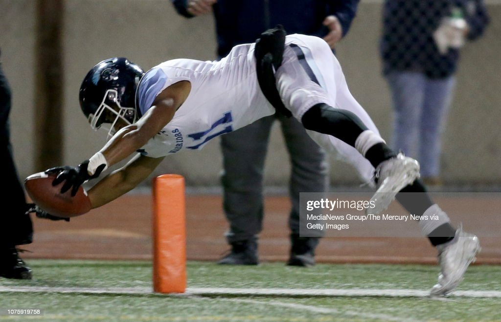 St. Francis High School vs Valley Christian Central Coast Section Open Division II championship football : News Photo