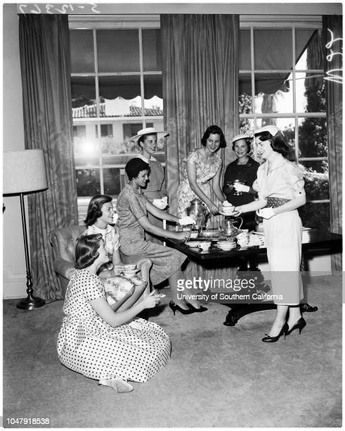 Valley hunt, 28 May 1958. Joan Bedell;Lura Myers;Julia Wingfield;Margaret Taylor;Mary Ann Peatmen;Margaret Craig;Adele Hughes. .;Caption slip reads:...