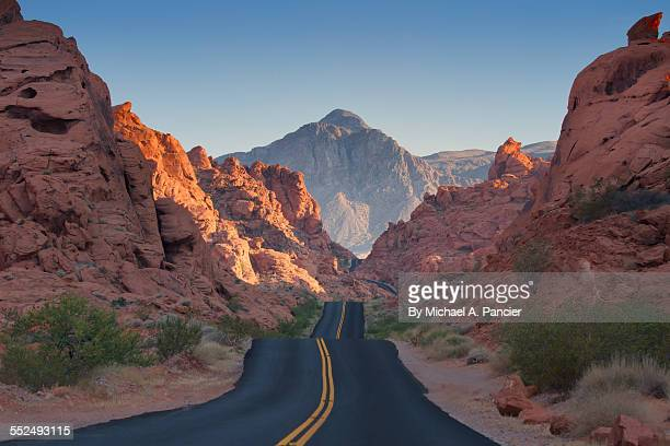 valley of fire road - valley of fire state park stock photos and pictures